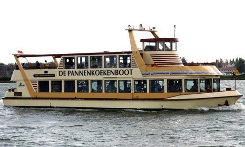 Rondvaart op de De Pannenkoekenboot met onbeperkt pannenkoeken eten